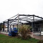 Anbau an Bestand Binderabstände : 6,4 x 8,0 Meter-Betonsockel