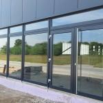 Schaufenster mit Eingangselement