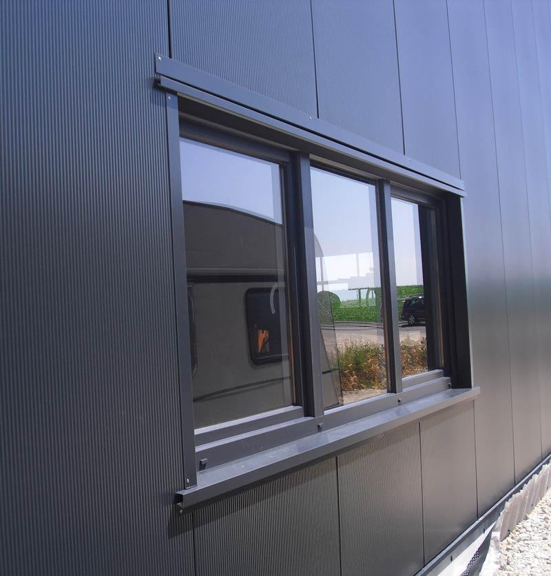 Hallenausstattung, Ausstattung für Stahlhallen, Hallenbau