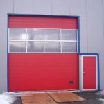 Sektionaltor mit ansichtsgleicher Tür